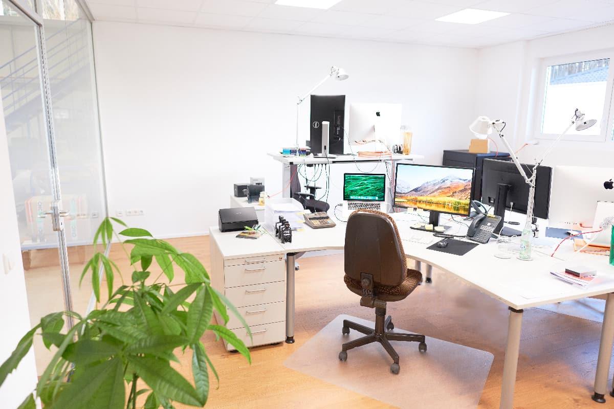 Customer sevice team office